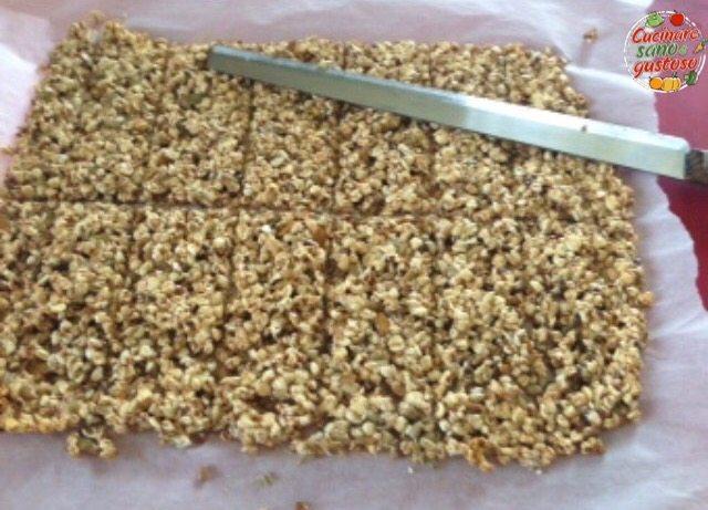 Barrette velocissime con frutta secca cereali e miele - Cucinare sano e gustoso ...