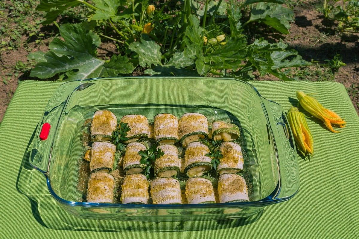 Involtini di zucchina ripieni. Ricetta % vegetale.