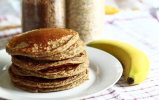 Pancakes di banana senza uova