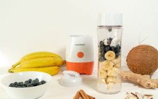 Frullato detox con mirtilli e banana (smoothie)