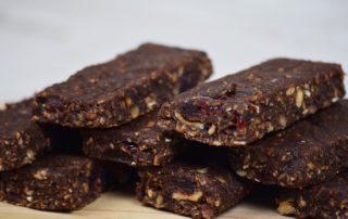 barrette energetiche raw al cacao e frutta secca
