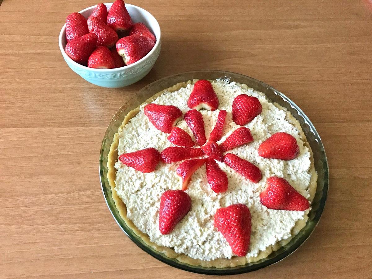 Crostata con crema di ricotta e frutta (integrale e senza burro)