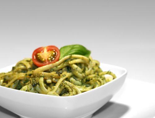 Spaghetti con pesto di zucchina e rucola