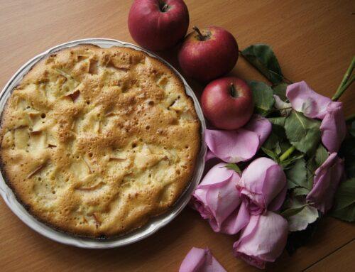 Torta di mele, pere e uvetta