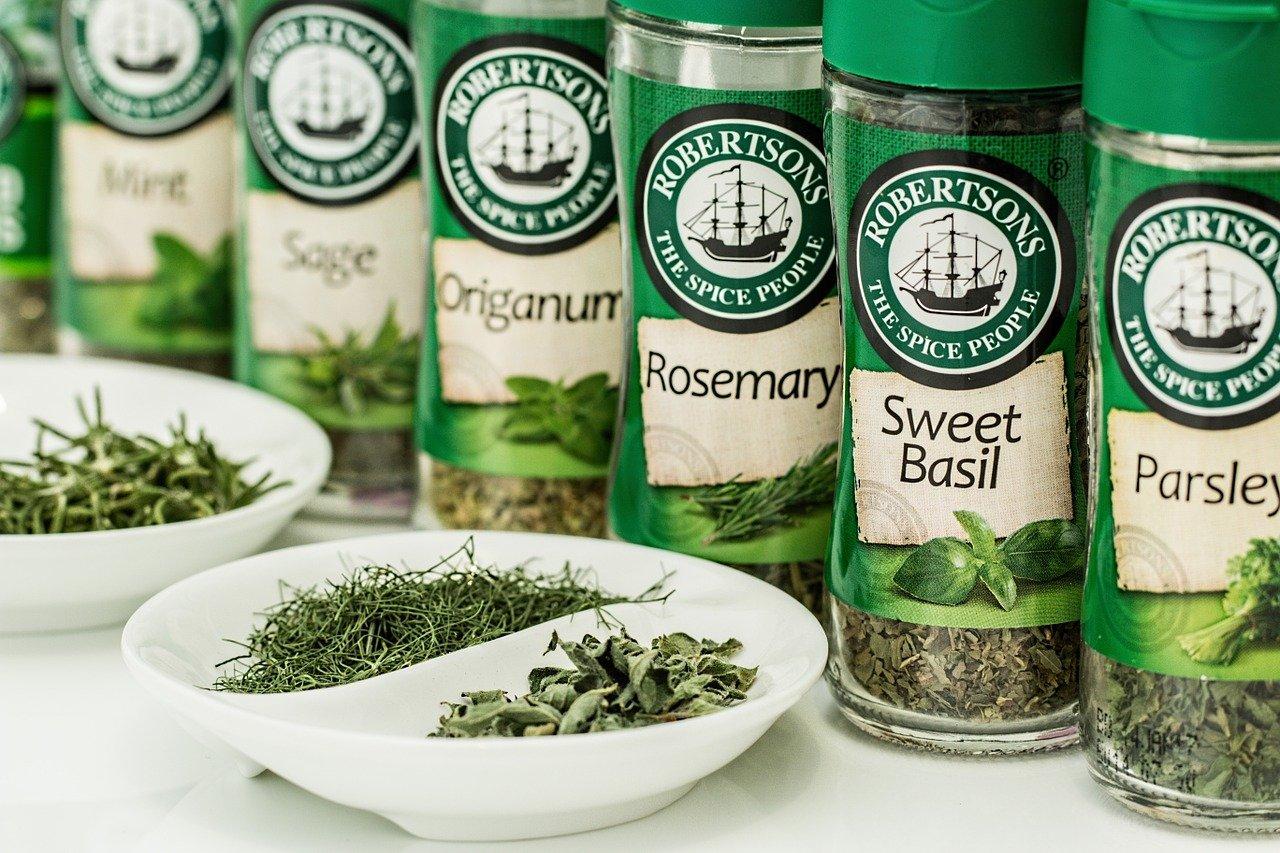 le erbe aromatiche, proprietà e usi in cucina